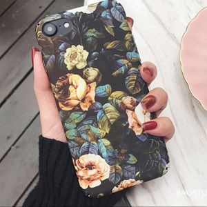 Accessories - NEW iPhone 7+/8+/6/6+/6s+ Vintage Floral Hard Case
